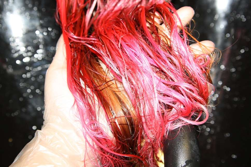 pink hair wet