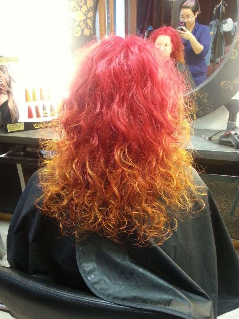 eldfärgat hår